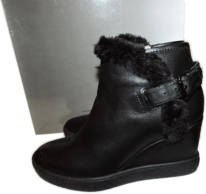 $450 Aquatalia Short Boots Cameron Black Leather Ankle Booties 7.5 Wedge Shoes