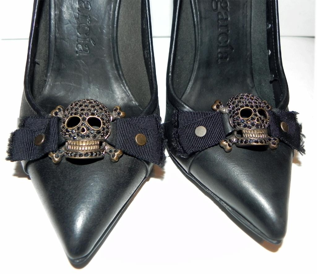 $695 Pedro Garcia Crystals Pirate Scull Black Pumps Pointed Toe Shoe 36.5