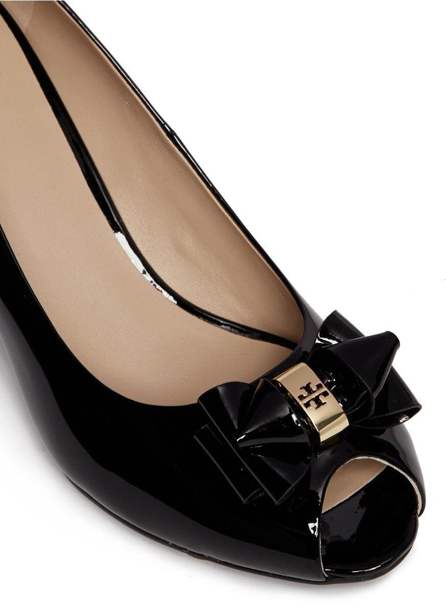 Tory Burch Black Bow Wedge Pumps Patent Leather Gold Logo Peep Toe Shoes 8