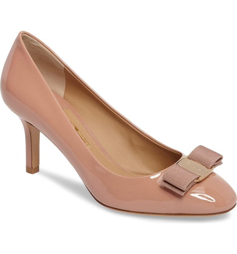 $625 Salvatore Ferragamo Erice Bow Nude Patent Leather Pumps Low Heel Shoe 9.5